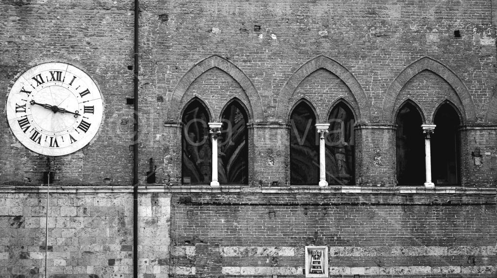 Facciata_Palazzo_Piazza_Duomo_di_Siena