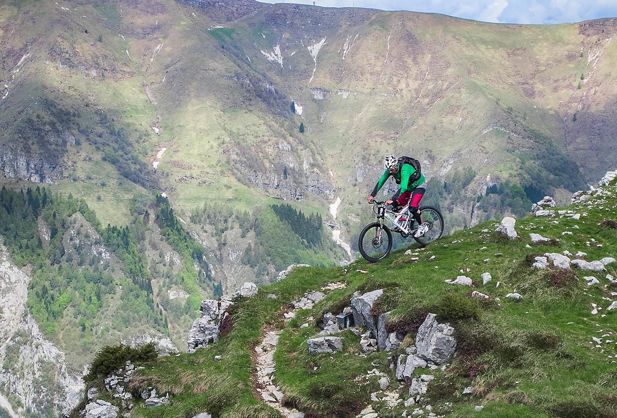 Luca Tavian mountain bike freerider