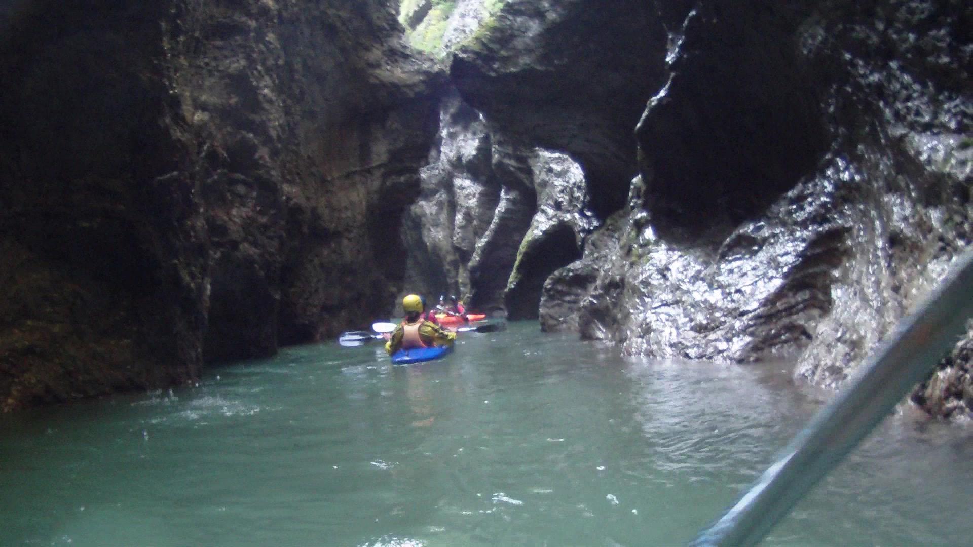 Kayakers Maè river