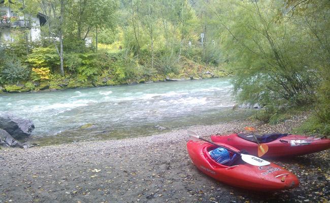 Imbarco della discesa in kayak della Drava