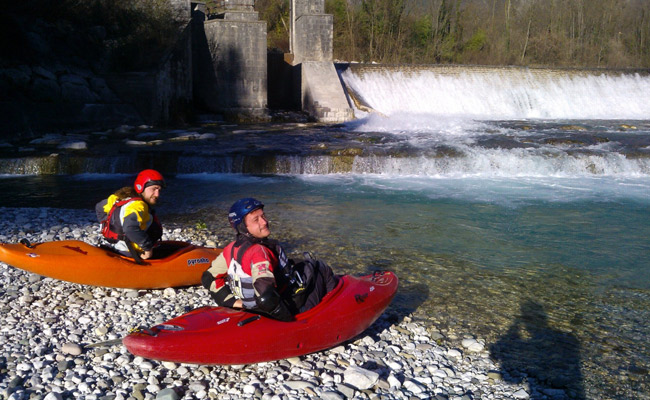 Imbarco-kayak-Cordevole