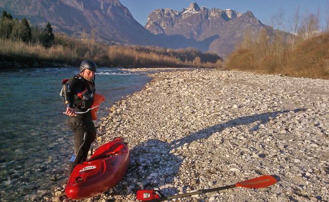 sbarco-kayak-Cordevole